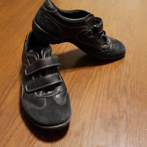 ff3146df16f1 ECCO Cloud II 2 strap black leather suede Rk 7 618